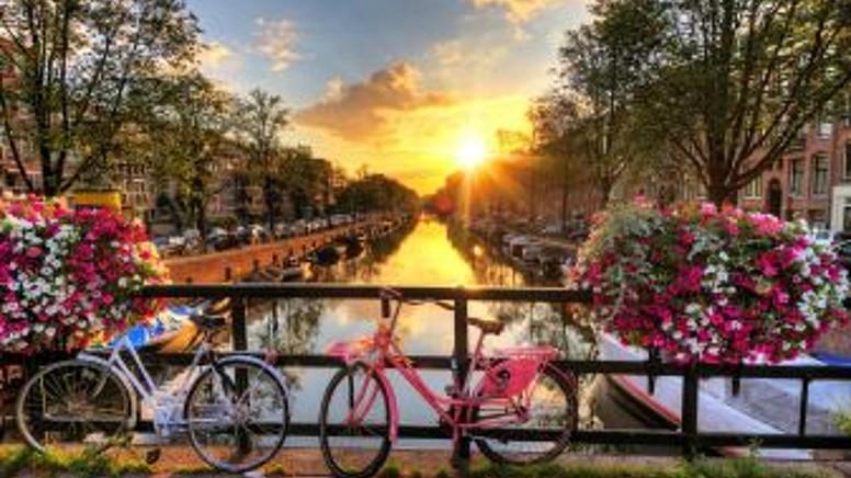 Benelux Turu'na Ne Zaman Çıkmalı ?