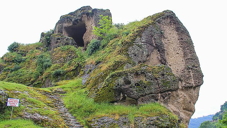 Samsun'da Bulunan Yaşam İzleri: Tekkeköy Mağaraları