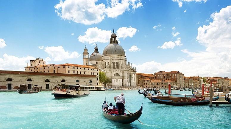 Sulara Gömülen Bir Şehir: Venedik..