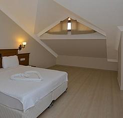 Çatı Katı Oda