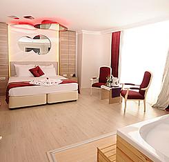 Romantik Kırmızı Oda