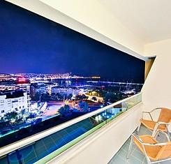 Marina King Suite