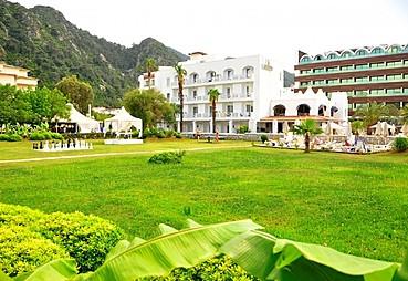 Casa Blanca Beach Hotel
