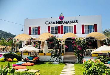 Casa Hermanas Hotel