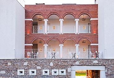 Nea Efessos Hotel