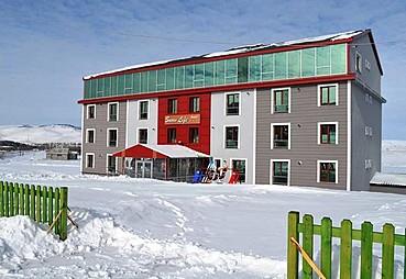 Snow Life Hotel