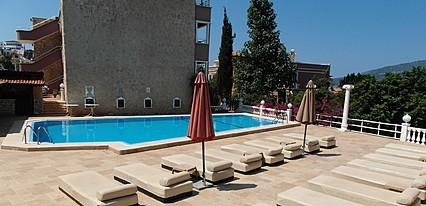 3T Apart Hotel Havuz / Deniz