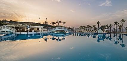 Acapulco Resort Hotel Havuz / Deniz