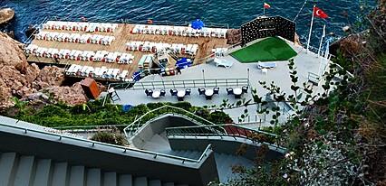 Adonis Hotel Havuz / Deniz