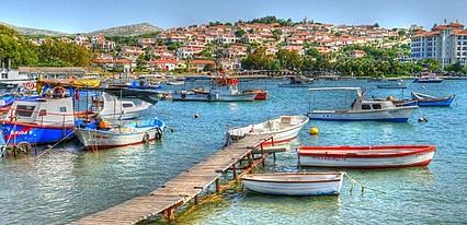 Akay Garden Family Club Havuz / Deniz