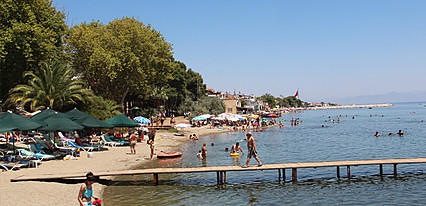 Akcam Otel Havuz / Deniz