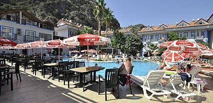 Akdeniz Beach Hotel Havuz / Deniz