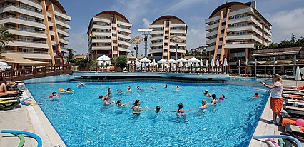Alaiye Resort Spa Hotel Havuz / Deniz
