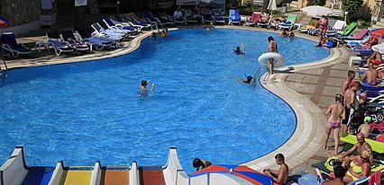 Alenz Suite Hotel Havuz / Deniz
