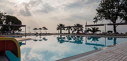 Altiner Hotel Havuz / Deniz