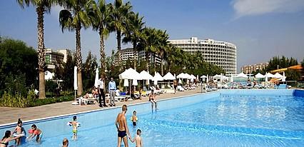 Amara Centro Resort Havuz / Deniz