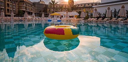Amara Prestige Elite Hotel Havuz / Deniz