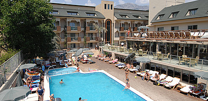 Ambassador Group Hotels Havuz / Deniz