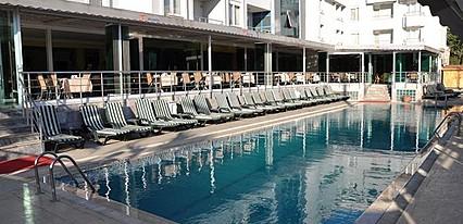 Ata Hotel Havuz / Deniz
