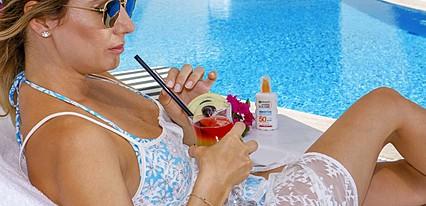 Aurasia Beach Hotel Havuz / Deniz