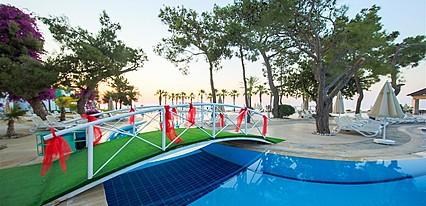 Avantgarde Comfort Hotel Havuz / Deniz