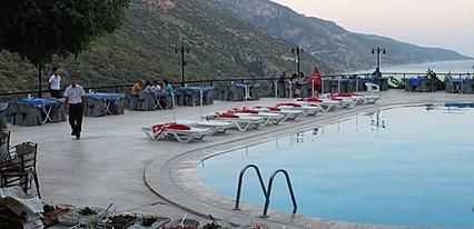 Aygül Otel Havuz / Deniz