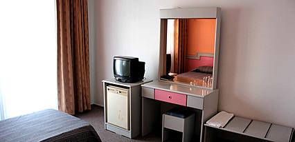Aymes Otel Oda
