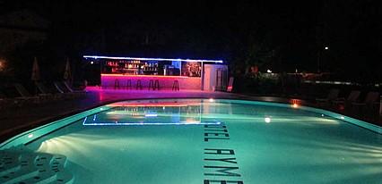 Aymes Otel Havuz / Deniz