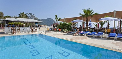 Azak Beach Hotel Havuz / Deniz