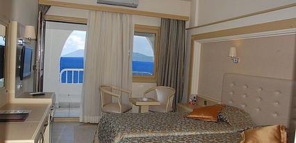Azka Hotel Oda