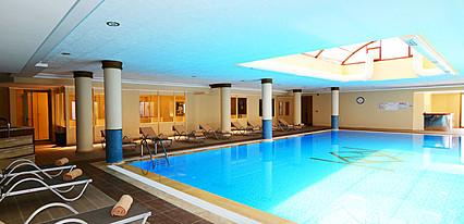 Azka Hotel Havuz / Deniz