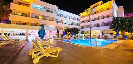 Banu Hotel Luxury Havuz / Deniz