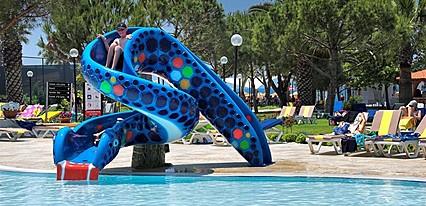 Batihan Beach Resort Havuz / Deniz