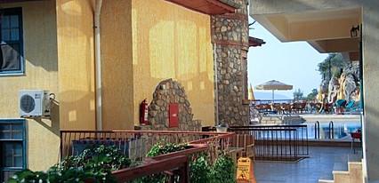 Belle Vue Hotel Havuz / Deniz