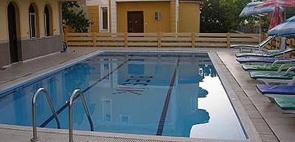 Beşik Otel Havuz / Deniz