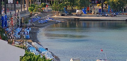 Beyaz Konak Evleri Havuz / Deniz