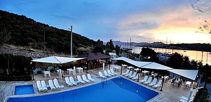 Bitez Marina Havuz / Deniz