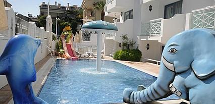 Blue Palace Hotel Havuz / Deniz