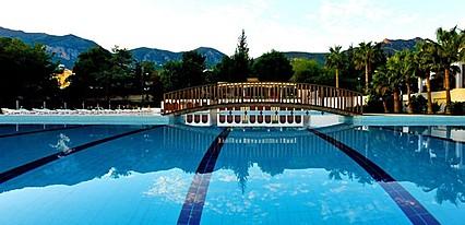 Büyük Anadolu Girne Hotel Havuz / Deniz