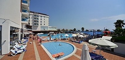 Cenger Beach Resort Spa Havuz / Deniz