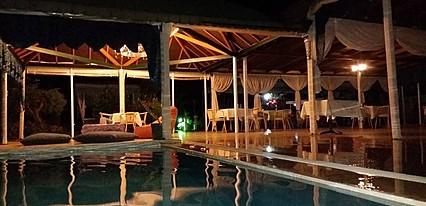 Ceren Hotel Havuz / Deniz