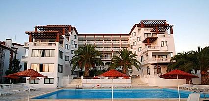 Çeşme Palace Havuz / Deniz