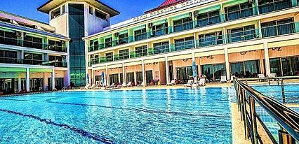 Çetin Prestige Resort Havuz / Deniz