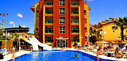 Club Alpina Apartments Havuz / Deniz
