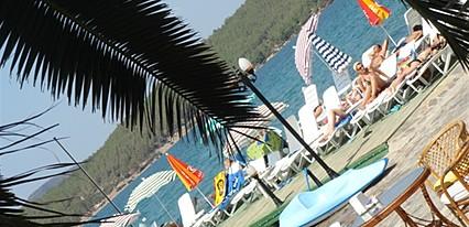 Club Aquarium Hotel Havuz / Deniz