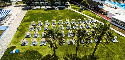 Club Blue White Havuz / Deniz