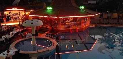 Club Cettia All Suites Havuz / Deniz