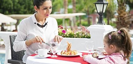 Club Hotel Karaburun Yeme / İçme