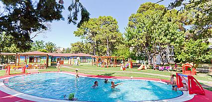 Club Marco Polo Havuz / Deniz