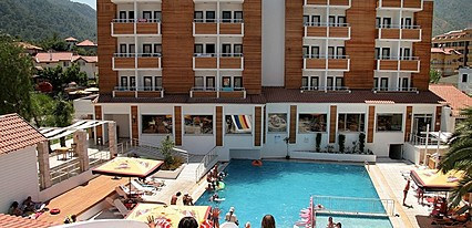 Club Munamar Beach Resort Havuz / Deniz